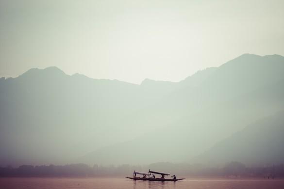 Peacefully Dal lake