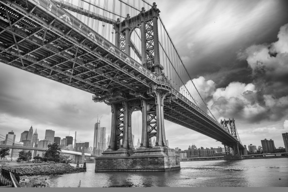 The Manhattan Bridge black and white