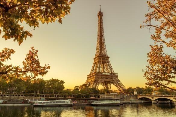 Sunshine at Eiffel tower